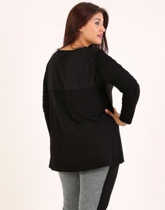 Μπλούζα για μεγάλα μεγέθη σε ζέρσεϊ με σιφόν στη πλάτη.Το μοντέλο φοράει   XLΎψος a54aea916bd