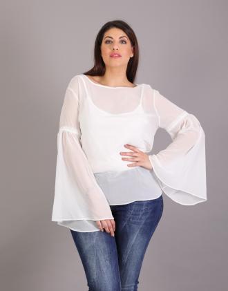 5547fe571163 Σιφόν μπλούζα για μεγάλα μεγέθη με καμπάνα μανίκια και ζέρσεϊ εσωτερκό.Το  μοντέλο φοράει