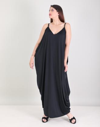 0abff53a0297 Ντραπέ μάξι φόρεμα για μεγάλα μεγέθη σε ελαστικό ζέρσεϊ.Το μοντέλο φοράει   XLΎψος μοντέλου