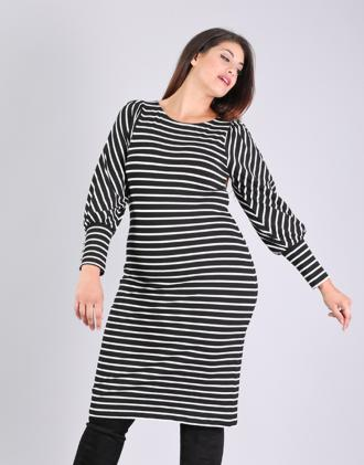 a9d27f410de1 Εφαρμοστό ριγέ φόρεμα για μεγάλα μεγέθη με φούσκα μανίκια και κουμπάκια  στην μανσέτα