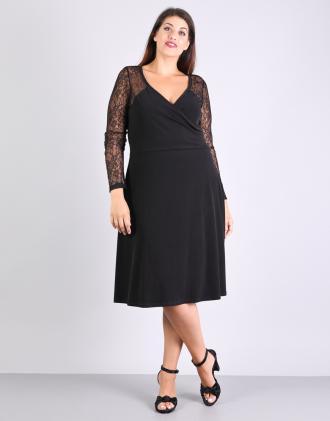 Κλος κρουαζέ φόρεμα για μεγάλα μεγέθη με δαντέλα 5cfec4b5758