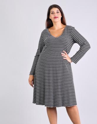 Ριγέ κλος φόρεμα για μεγάλα μεγέθη με V ντεκολτέ 3395b265054