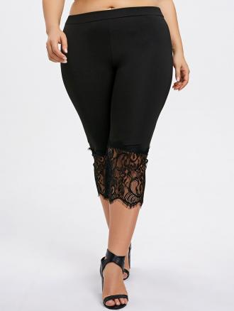 Plus Size Lace Hem Capri Pants