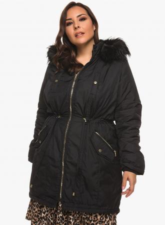 Παρκά σε χρώμα μαύρο με κουκούλα και πολλές τσέπες. Ζεστό και στιλάτο  χαρίζει άνεση σε aedb48f4ad1