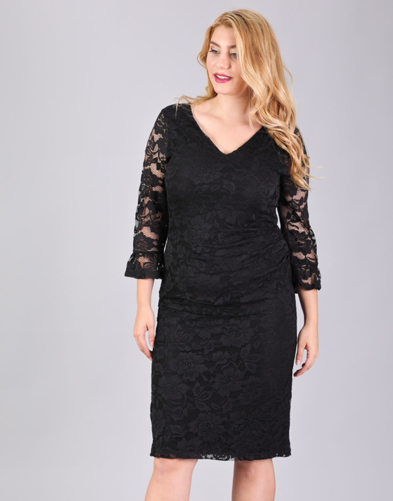 Εφαρμοστό φόρεμα για μεγάλα μεγέθη σε δαντέλα. E-xclusive