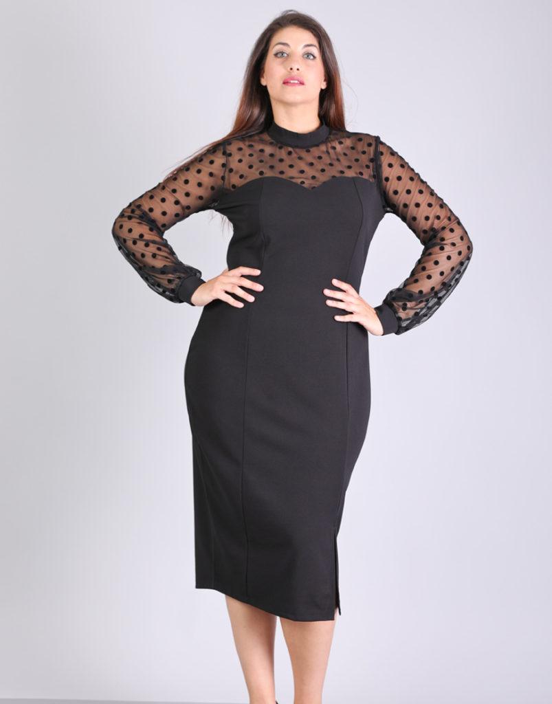 Μίντι φόρεμα για μεγάλα μεγέθη με πουά δίχτυ, καρδιά ντεκολτέ, σε ελαστικό πόντε ύφασμα.