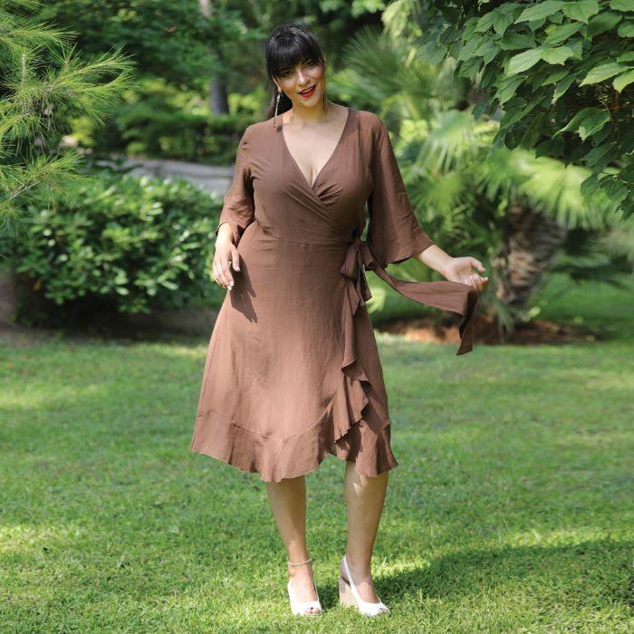 Έξωμο Φόρεμα με Ζώνη | 63€ από 79€